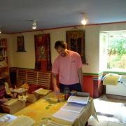 emile-preparing-mantra-rolls-2_2850105421_o