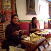 maria-and-bene-preparing-mantra-rolls_2851014878_o